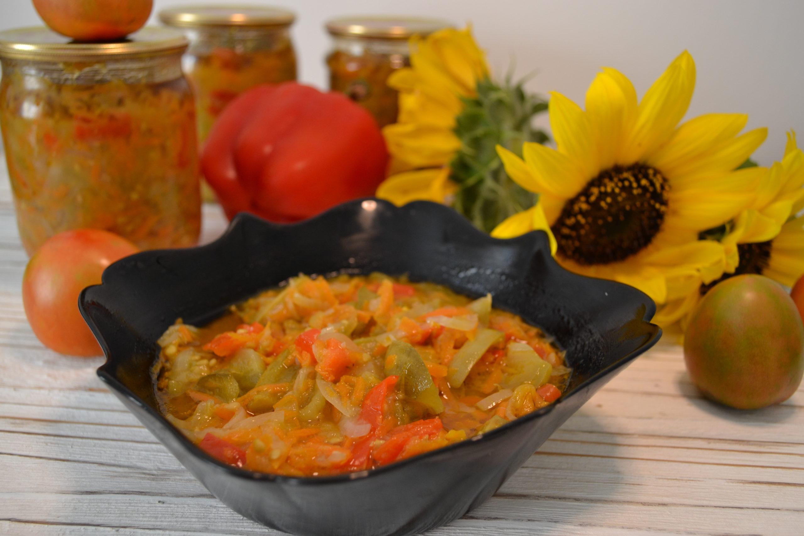 салат із зелених помідорів на зиму