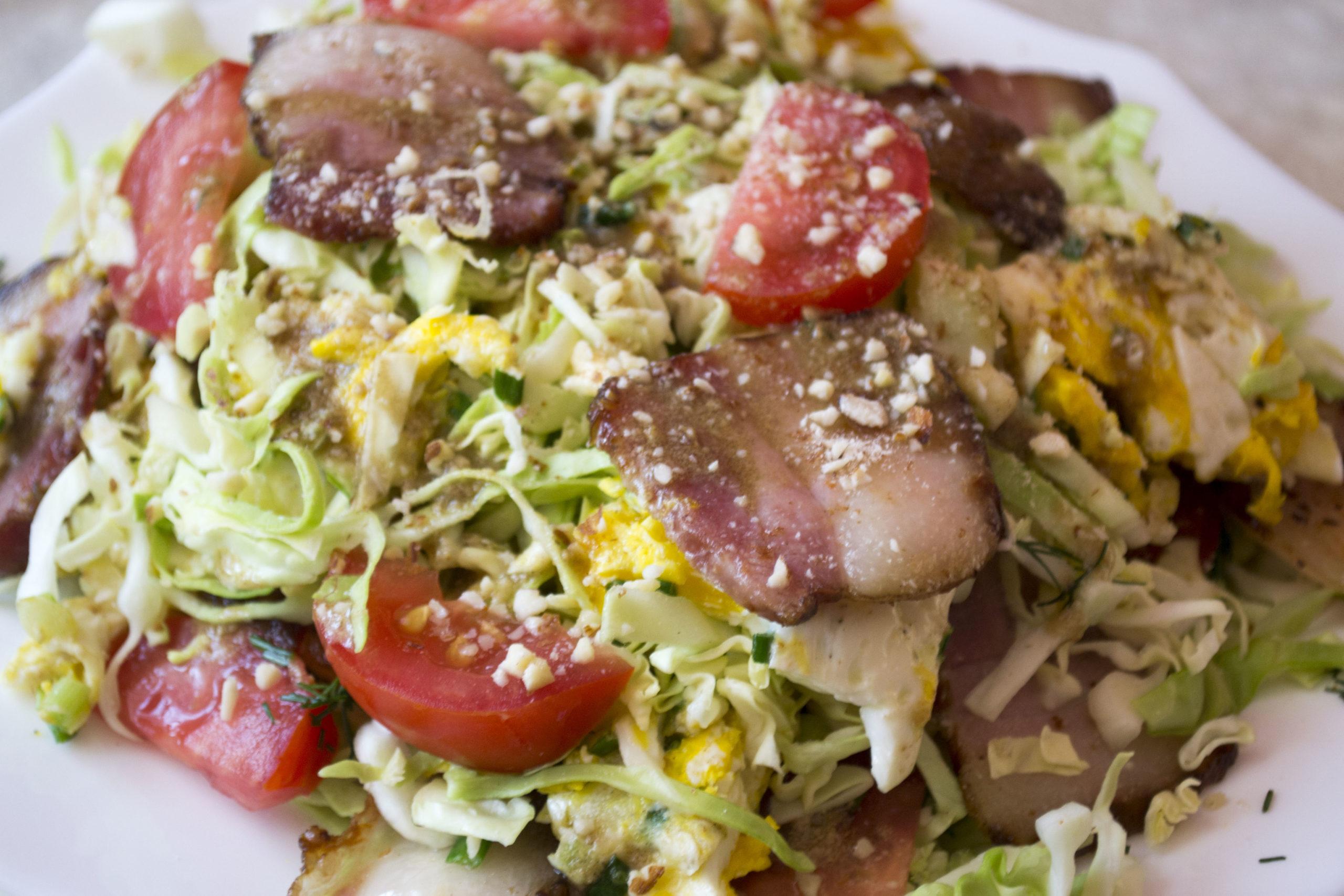 теплий салат з беконом